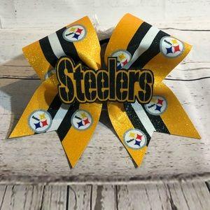 Steelers cheer bow!